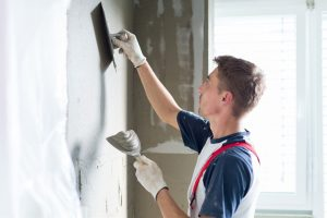 How-to-Repair-a-Crack-in-a-Wall